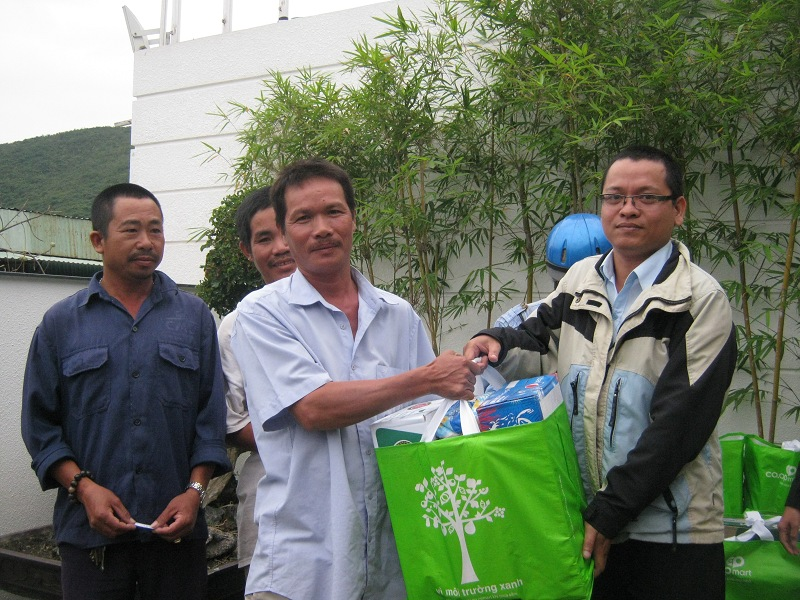 tang-qua-tet-cong-nhan-2014-1
